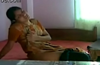 VID-20120604-PV0001-Rajapalayam (IT) Tamil 28 yrs old unmarried hot and sexy girl Ms. Gowri wanking unknowing to others secretly upon her room sex porn video