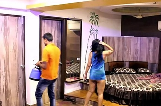 Indian Mona Bhabhi Teasing Room Service Boy In Hotel Exposing Big Aggravation